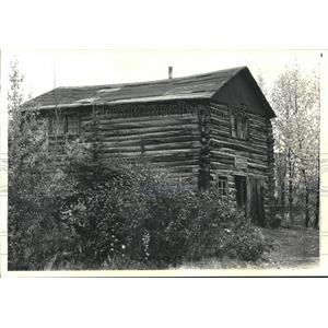 1987 Press Photo Kantishna Roadhouse, now warehouse in Alaska.   - hca04478