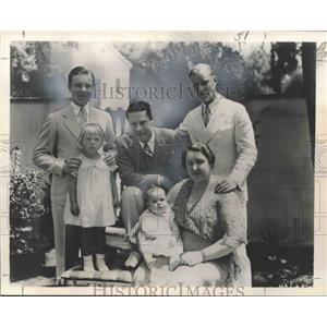 1935 Press Photo Actor Joe E. Brown with His Family - nox11041