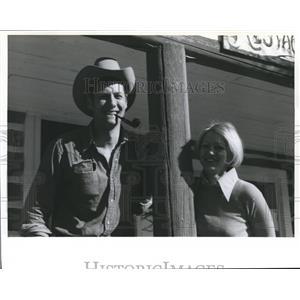 1982 Press Photo Chuck & Val Ridder, Hosts at Gladstone Ranch Alberta, Canada