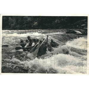 1992 Press Photo Rafters Paddle Through Wild Wisconsin White-Water Rapids