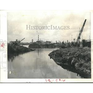 1958 Press Photo Large Cranes Frame Skyline, Brays Bayou Ship Channel Houston