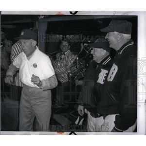 1965 Press Photo Tigers Employee Dancing Stadium - RRX54559