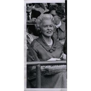 1960 Press Photo Mrs.George Trumbull Watches A Baseball