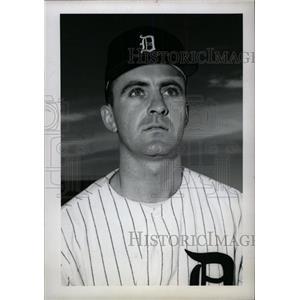 1962 Press Photo Robert William Humphrey Louis Cardinal - RRW80255