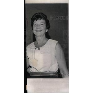 1976 Press Photo Lillian Teichmen Gymnast - RRX45313