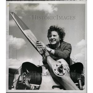 1955 Press Photo Youngest Student Pilot, Inge Muelle - RRX70535