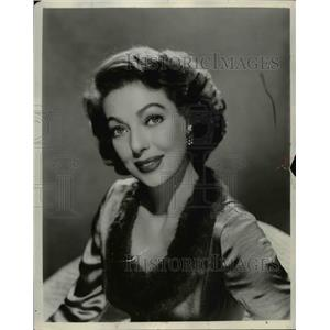 1956 Press Photo TV actress Loretta Young - cvb27395