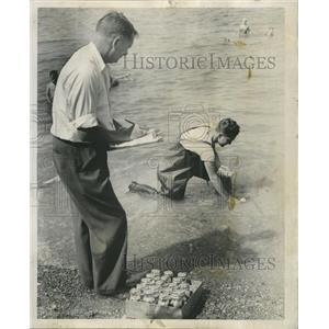 1948 Press Photo Russell Smith Health Engineer Arnold - RRW50201