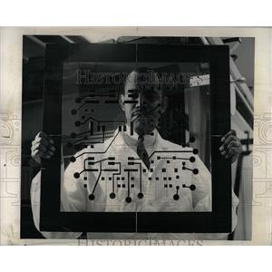 1963 Press Photo Donald Elam Studies Masking Plate - RRW90459