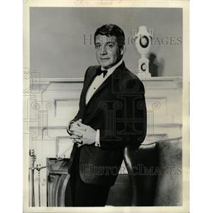 1965 Press Photo Gene Barry American Actor - RRW26463
