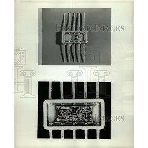 1966 Press Photo Closeup Heart Zenith hearing Circuit - RRW24311