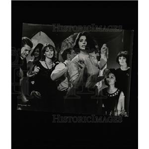 1963 Press Photo Five Miles To Midnight Film Loren - RRW08101