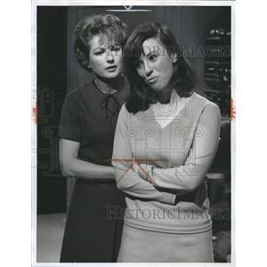 1966 Press Photo Coleen Gray Movie Television Actress - RRW30439