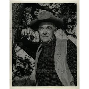 1961 Press Photo John McIntire Trinidad America Artist - RRW11465