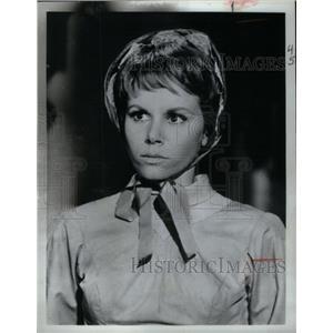 1967 Press Photo Judy Carne Big Valley Cowboys Monday - RRX57401