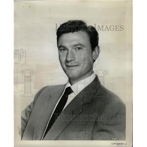 1961 Press Photo Laurence Harvey Lithuania America Film - RRW12071