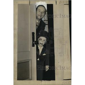 1948 Press Photo Edgar Bergen and Charlie McCarthy at McAlister Auditorium.