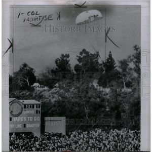 1953 Press Photo Sinclair fails to land in rose Bowl - RRX31523