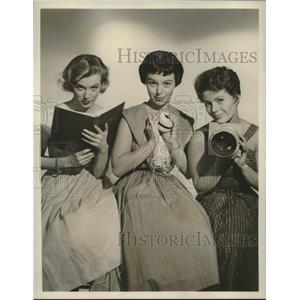 "1957 Press Photo Barton Lewis,Julie Cousins,Joni Chapin of ""Julius La Rosa Show"""