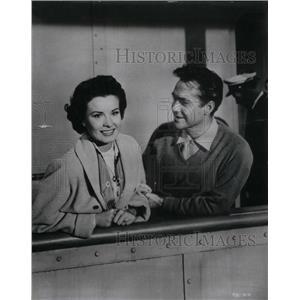 1955 Press Photo Jean Peters Richard Todd Actress - RRX38397