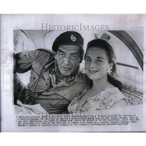 1957 Press Photo Victor Mature - RRU91435
