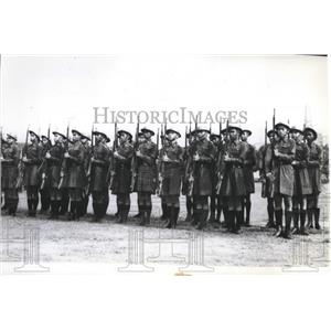 1941 Press Photo Thai Youth groups execute manual of arms during parade