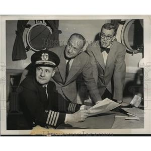 1947 Press Photo Capt Alden Graham, Cmdr Attilio Gatti & James Powers