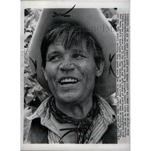 1966 Press Photo Hollywood Neville Brand Beauty Motion - RRW73531