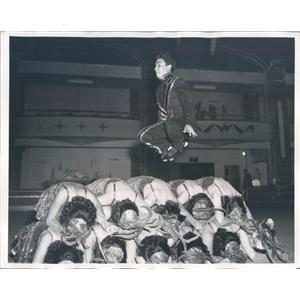 1948 Press Photo Gay Blades Roller Skaters Ronnie Herrera - ner28277