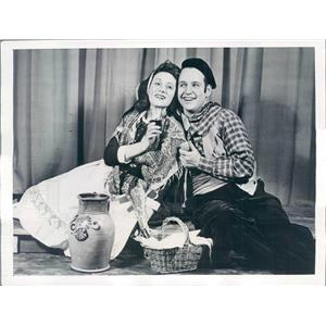 1942 Press Photo Philadelphia Opera Co William Hess & Dorothy Sarnoff