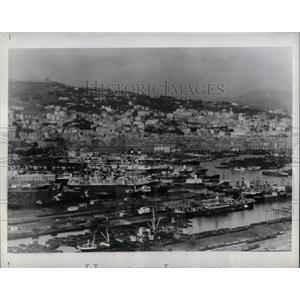1940 Press Photo Bomb port Geno Harbor Royal airforce - RRX79591