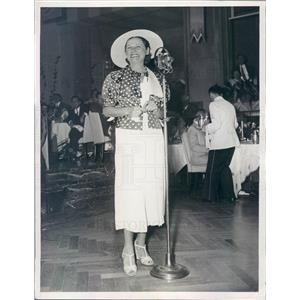 1934 Press Photo NYC Radio Singer Edith Murray Joe Reichman Orchestra