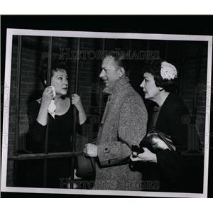 1956 Press Photo Ethel Merman Honest in the Rain - RRW07759