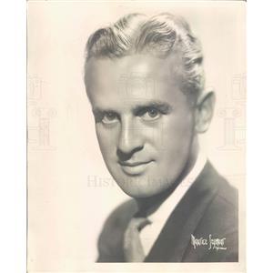 1934 Press Photo Baritone Charles Howard of NBC in Chicago - ner6075