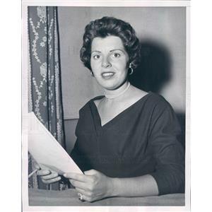 1954 Press Photo NYC Actress Acting Coach Lily Lodge - rkf10393
