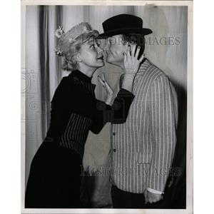 1957 Press Photo Carol Channing Red Skelton Show guest - RRX64167
