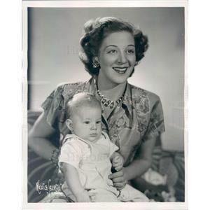 1949 Press Photo Actress Eloise Kummer & Son Joseph Martin Jones - rkf18237