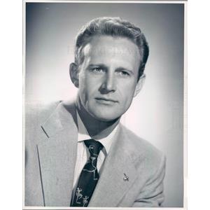 1955 Press Photo Dick Norris of Ice Follies - rkf7219