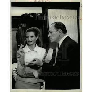 1966 Press Photo Angie Dickinson EG Marshall Poppy - RRW26701