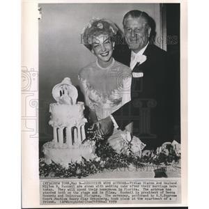 1959 Press Photo Actress Vivian Blaine & Milton Rackmil married in New York.