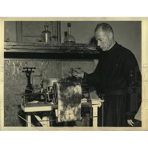 1933 Press Photo Father Joseph Lynch Director - RRX76935