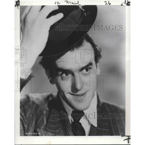 1954 Press Photo George Cole stars in Mr. Potts Goes to Moscow. - nop14696