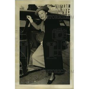 1950 Press Photo Katharine Cornell, stage actress, writer and theater owner.
