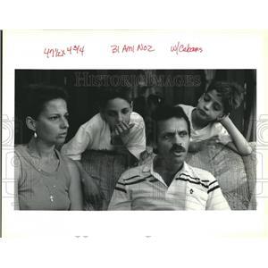1994 Press Photo Leonel and Carmen de la Flor and Sons after Leaving Cuba