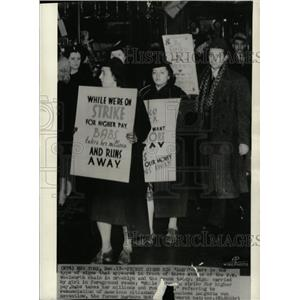 1935 Press Photo F W Woolworth Strike Protestants Mich - RRX65629