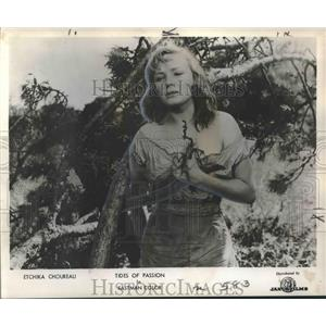"""1958 Press Photo Etchika Choreau stars in Eastman Color's """"Tides of Passion"""""""