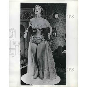 """1955 Press Photo Kim Stanley stars in """"The Waiting Place"""""""