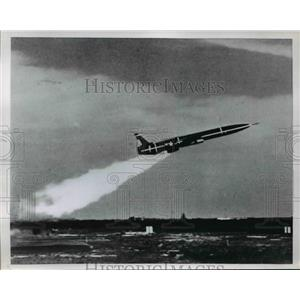 1954 Press Photo Matador Missile a runway from the White Sands in the Rockies
