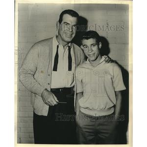 """1961 Press Photo Fred MacMurray and Don Grady of """"My Three Sons"""" - lrz00146"""