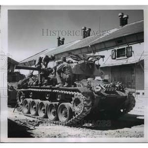 1950 Press Photo Charles Rhodes & Robert Kuban Ready to Meet Red Hordes